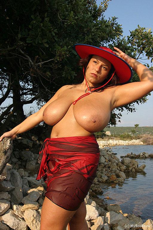 Huge s big tits and big busty woman 1 - 4 9